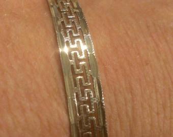 Beautiful Sterling Silver Fillagree Lightweight Bangle Bracelet