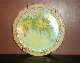"PLATE  -  6 1/4"" Vintage Hand Painted China Plate - Wall Hanging - with Yellow Daisies"