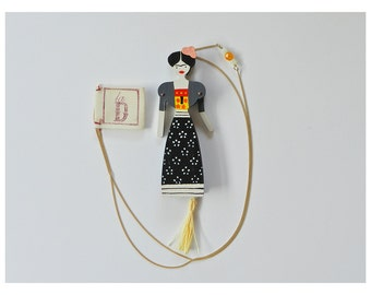 Puppet Necklace - Frida