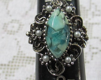 Vintage RARE MINT Isabella Sarah Coventry costume ring lucite and pearls adjustable