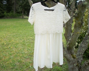 Creamy White LACEY WEDDING Or Special EVENTS Dress, C D C Caren Desiree Company,  8