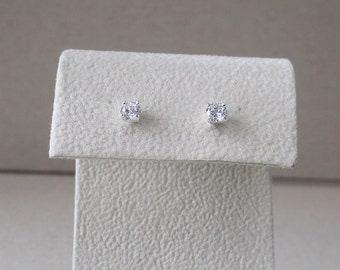 USA Sparkling Clear 4mm Cubic Zirconia Basket Prong Setting in Solid .925 Sterling Silver Post Stud Earrings