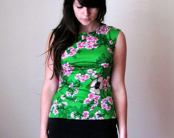 Spring Green Cherry Blossom Japanese Vintage 70s Top Shirt Blouse Tank Singlet Sz S M
