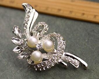 Rhinestone Brooch Pin Pearl Crystal Silver Sparking Wedding Brooch FB103