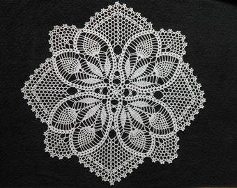 Handmade Crochet Cotton Doily With Pineapple Shape Details Flowers 20,5''