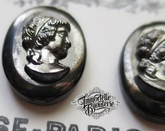 18x13mm Black Cameo Distressed Hematite Glass Cabochon Gorgeous Gothic Victorian Sheen - Rare Vintage West German - High Quality - 2 pc