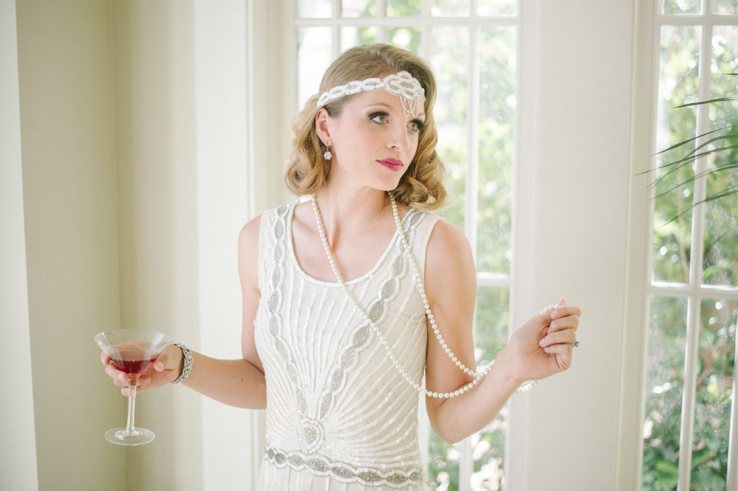 Long Pearl Necklace Great Gatsby Vintage Inspired 1920s Vibe Robe Charleston Downton Abbey Mod