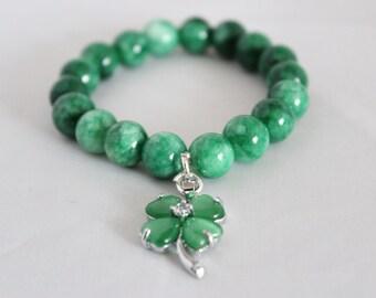 Clover charm bracelet, jade bracelet, stone bracelet, green jade bracelet, handmade bracelet, clover bracelet, beaded bracelet, free size