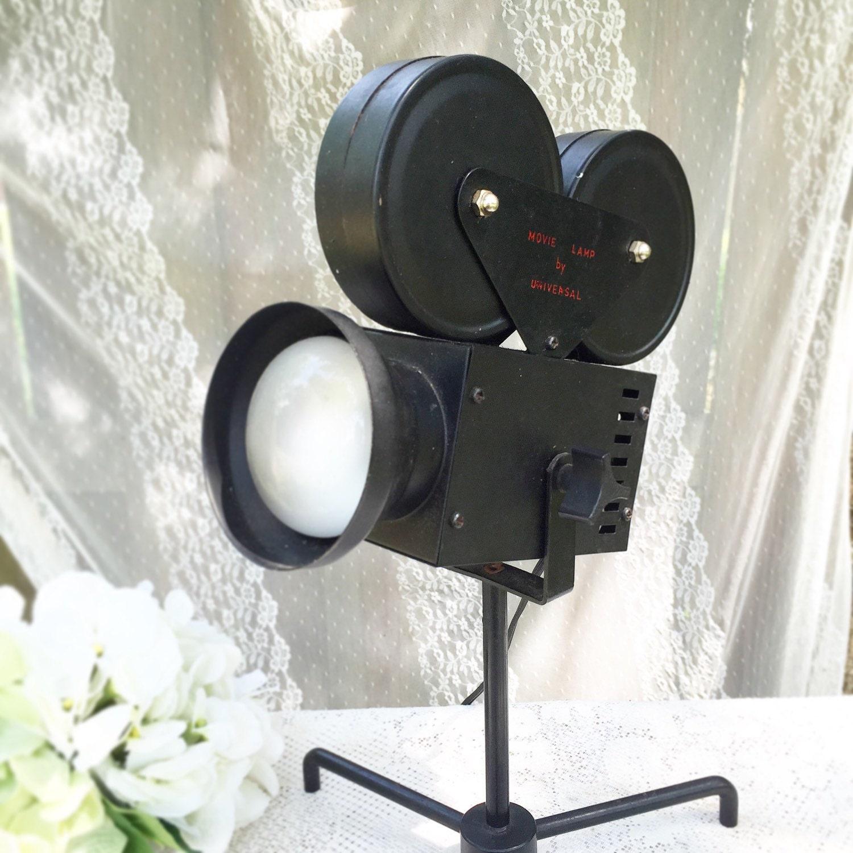 Vintage Hollywood Movie Camera Desk Table Lamp RARE Film