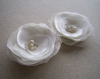Ivory Hair Flowers Ivory Hair Pieces Ivory Bridal Hair Clips Ivory Wedding Hair Accessories Lace Gems Ivory Hair Clip - Set of 2