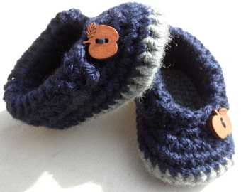 Crochet Baby Booties, Knitted Baby Shoes with Wooden Button
