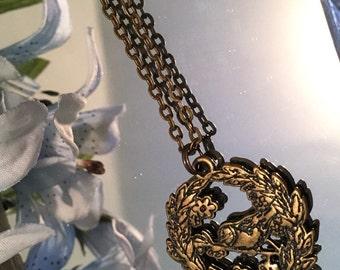 Robin Flower Wreath Necklace