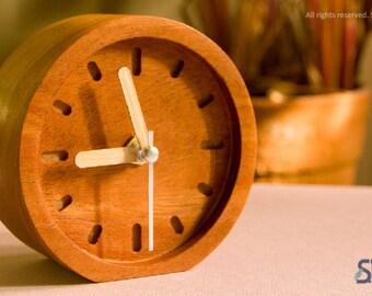 RUNT- Wood clock