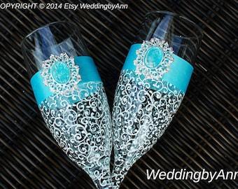 Turquoise Wedding glasses - Elegant Oceanic Wedding Champagne Glasses - Bride And Groom - Personalized Toasting Flutes