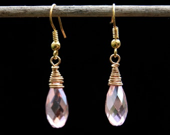 Earings. Faceted champagne glass crystal briolette Gold plated drop earrings. 41mm. Freeform design. Art jewellery.