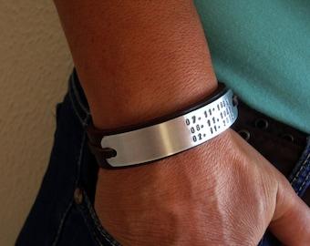 FAST SHIPPING/Custom Mens Bracelet,Leather Bracelet,Personalized men's Leather Bracelet,Engraved plate.Valentines gift.Hand stamped bracelet