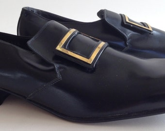 1960's Men's SIZE 8 1/2 Leather ITALIAN Slip-on Buckle Shoes. MOD Styling // Dead Stock