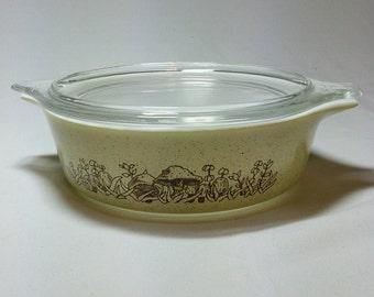 Pyrex Forrest Fancies 1pint casserole dish with lid