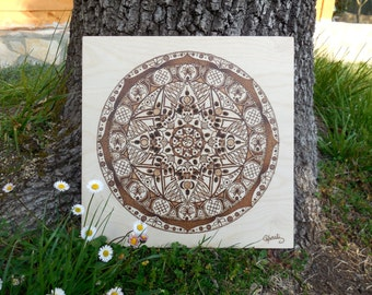 Mandala on wood made with pyrography; ideal for meditation, to decorate the house and wedding gif; made in Italy.