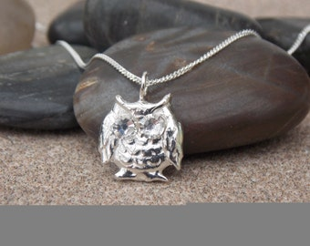 Solid pure silver owl with Swarovski crystal eyes, inc. silver chain