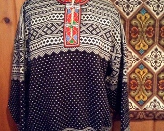 Traditional Setesdal Norwegian wool sweater by Norleander-size L