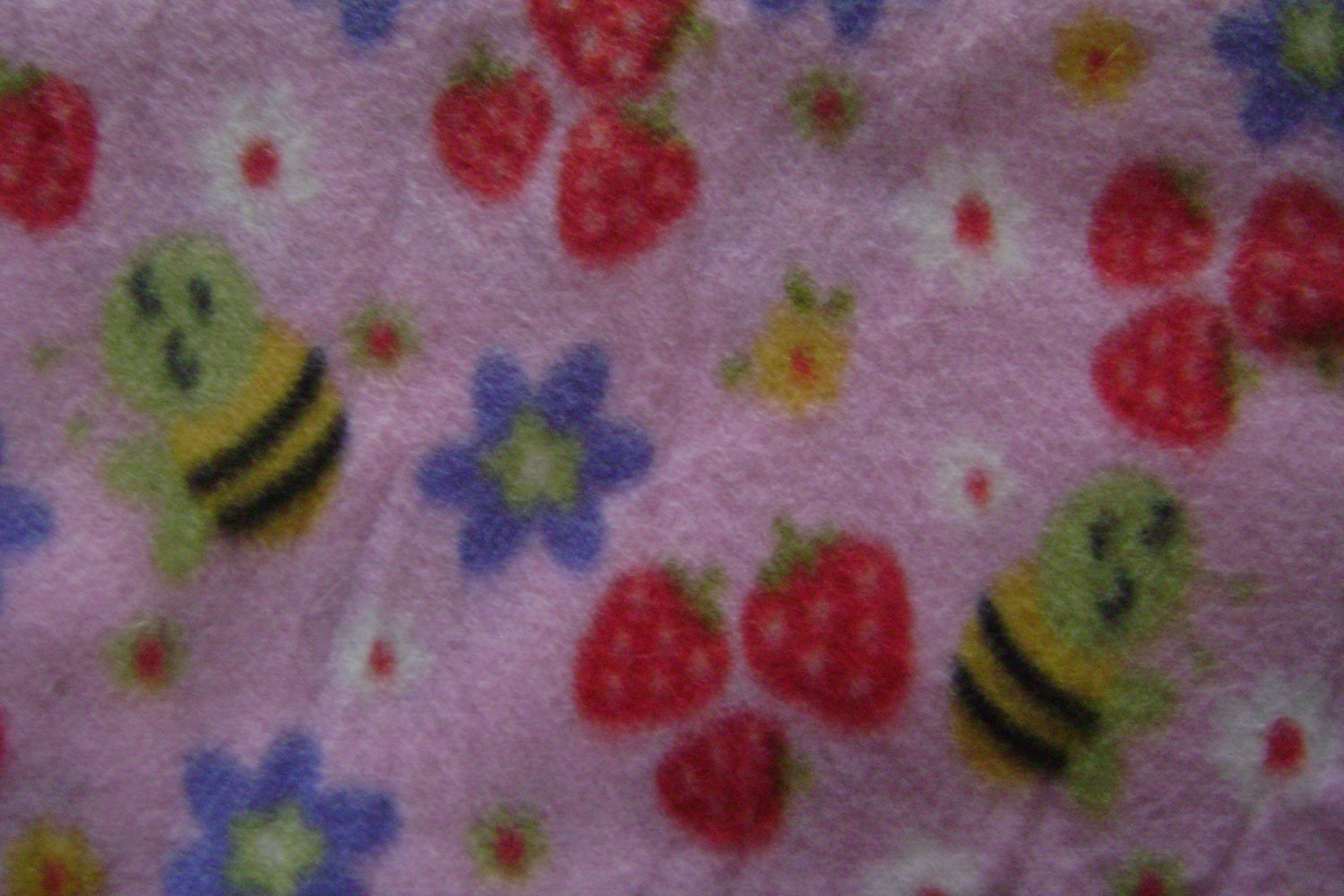 remnant pretty pink bumble bee fleece fabric remnant 30
