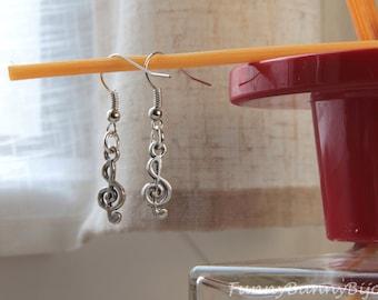 Treble clef earrings in Tibetan silver
