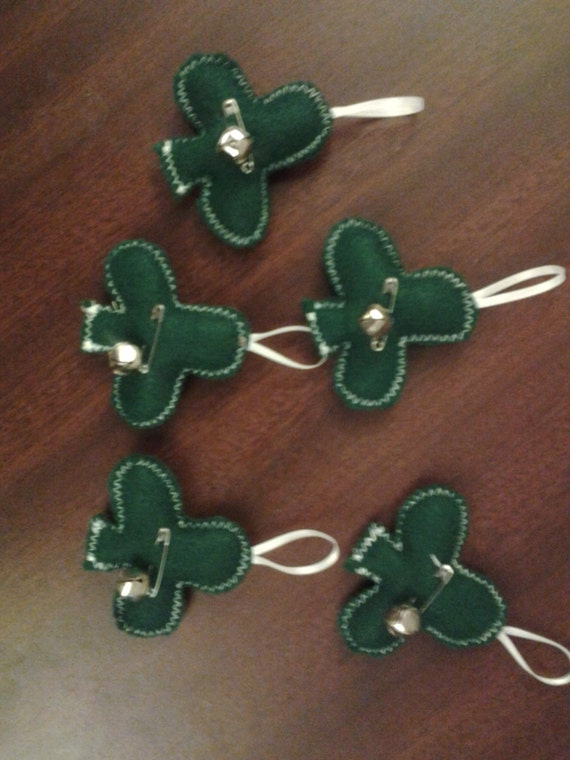 Set of 5 new handmade green shamrocks,  primitive St. Patrick's Day tree ornaments, decorations