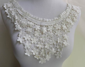 Beautiful Cotton Floral Applique in Cream for Collar, Necklace, Sewing, Couture Design