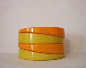 Bakelite Angled Bangle Bracelet Orange and Green Stacking Set of 4