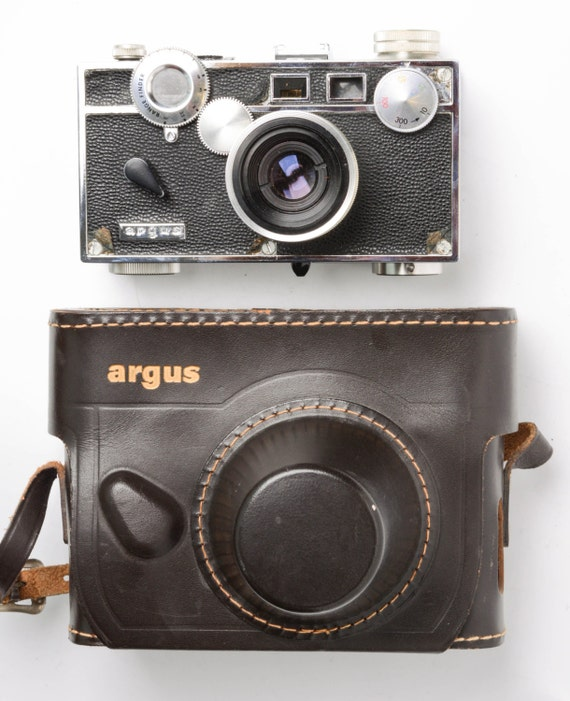 argus c3 rangefinder 35mm camera with 50mm lens and leather. Black Bedroom Furniture Sets. Home Design Ideas