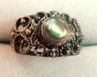 Early .Lacy 925 Sterling Silver with Abalone Ring