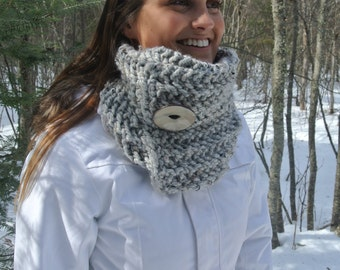 Grey Marble Chunky Cowl with WOODEN Button
