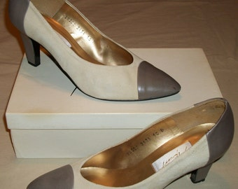 """Vintage size 10 B APART Maize and Taupe Suede and Leather High Heels Pumps 2 1/8"""" Heels Need TLC"""