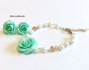 SALE - FREE EARRINGS - Mint green rose and Pearls Bracelet, Rose Bracelet, Mint Bridesmaid Jewelry, Rose Jewelry, summer Jewelry