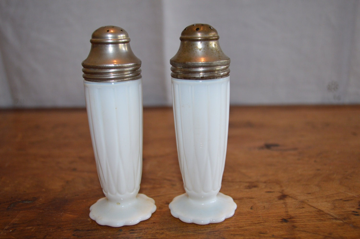 Sale Beautiful Set Of Milkglass Salt And Pepper Shakers