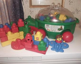 Dulpo Legos wth turtle container