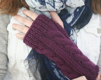 Kate's Cable-Knit Fingerless Gloves in Plum Purple