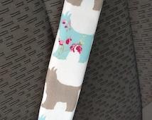 Reversible car seatbelt covers