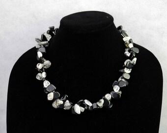 Handmade Clear/Gray/Black Agate Gemstone Necklace