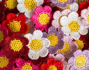 Mini Crochet Daisy Flowers - 10 Small Crochet Flower Appliques - Scrapbooking Flowers - Gift Wrapping - Doll Applique - Pico Series