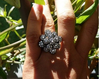 Flower shiny crystal ring