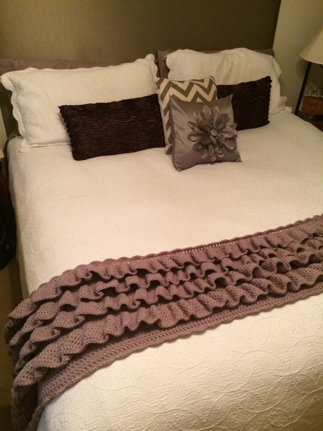 ruffled bed runner feet warmer king size by craftsbydd on etsy. Black Bedroom Furniture Sets. Home Design Ideas