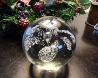 FLORAL BUBBLE PAPERWEIGHT
