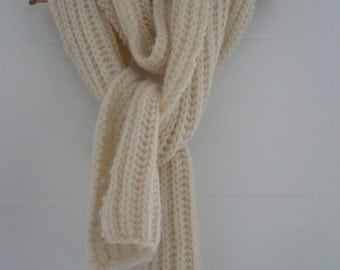 Warm scarf for the cold of the winter