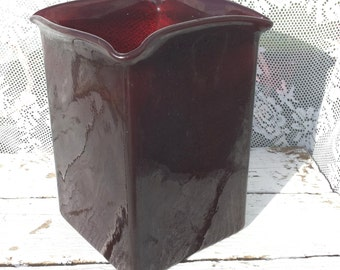 Vintage glass vase or flower pot Red Brown, Maroon populate/height 16 cm/square/Glass/Retro/old fashioned/Vase/Bordeaux