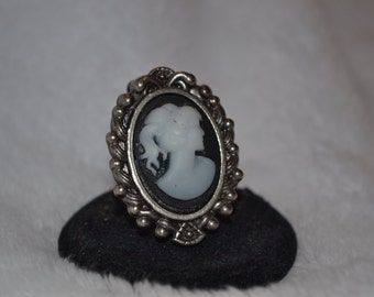 Large Black and White Cameo Ring