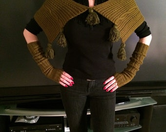 Handmade scarf-transformer and hand warmers