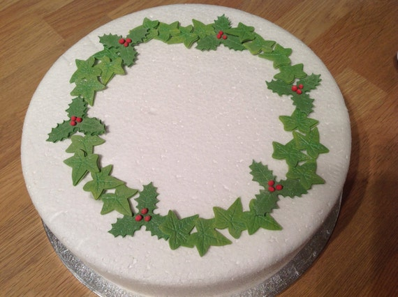 Etsy Christmas Cake Decorations : Items similar to Set of edible fondant icing holly and ivy ...