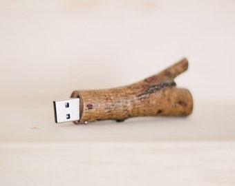 ONE // Wood Twig USB - 8GB